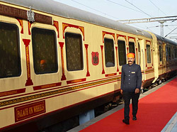 Palace on Wheels- Indian Luxury Train Tour